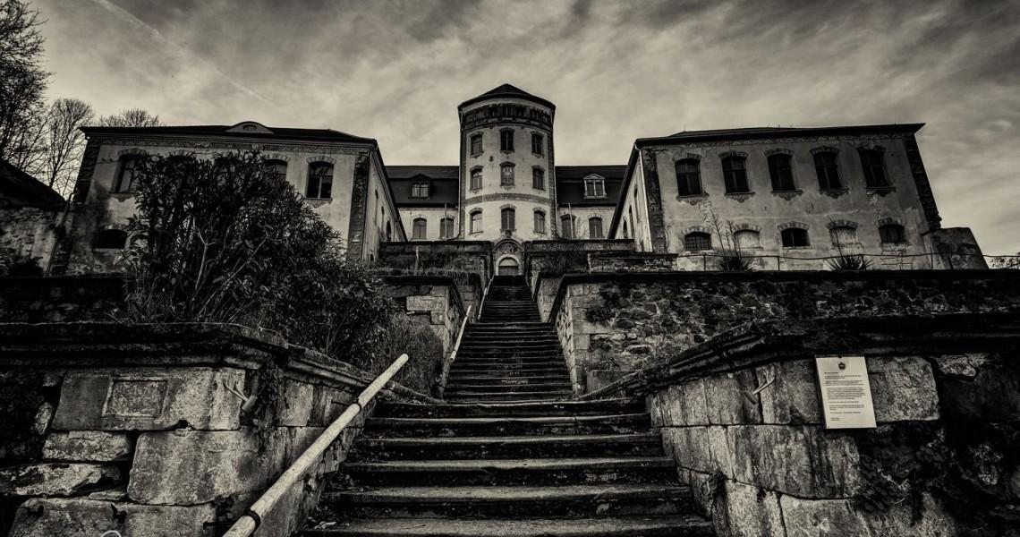 """Ein Schloss und Drehort zu """"Grand Hotel Budapest"""""""